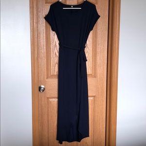 Dresses & Skirts - Never worn maxi dress